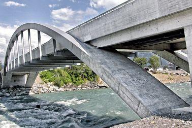 Refurbishment: Steel Brücke
