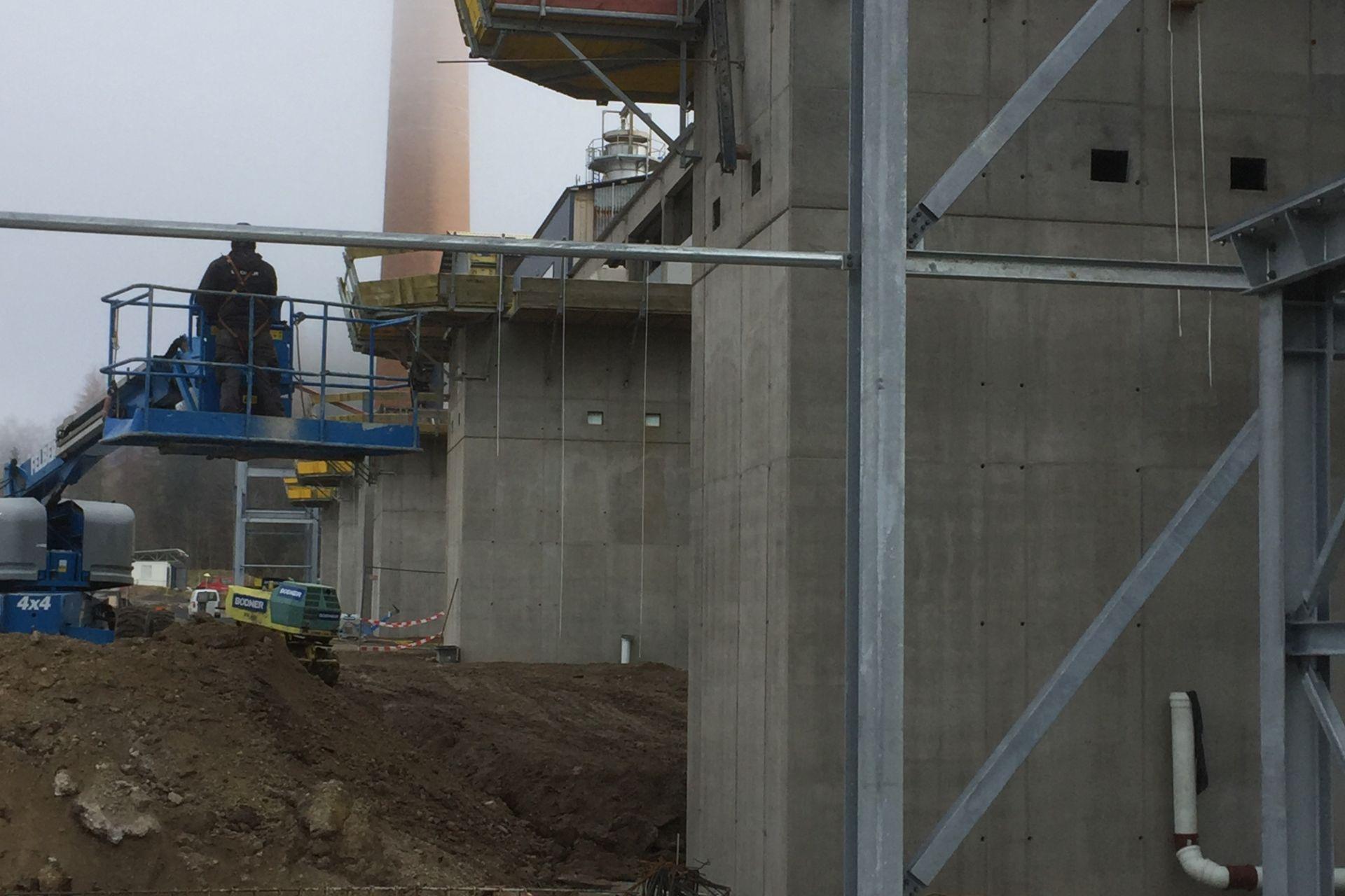Die Lagersockel der Rotierofen-Fundamente werden erstellt