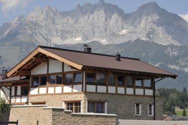 Steildachabdichtung eines Wohnhauses mit Bitumenbahnen