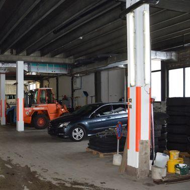Stark beanspruchte Park- und Fahrbereiche mussten saniert werden