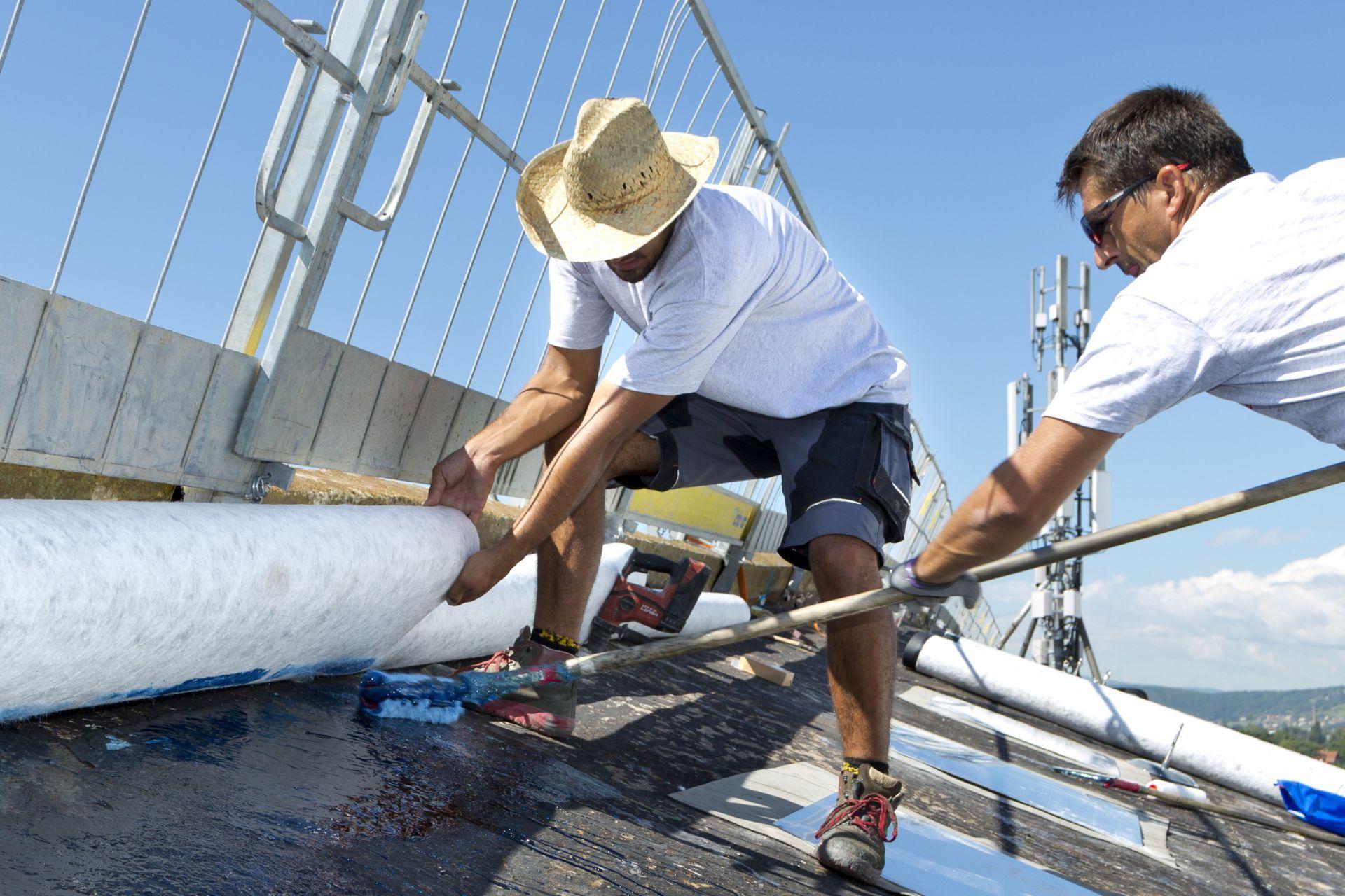 Vollflächige Verklebung der Dachabdichtungsbahnen