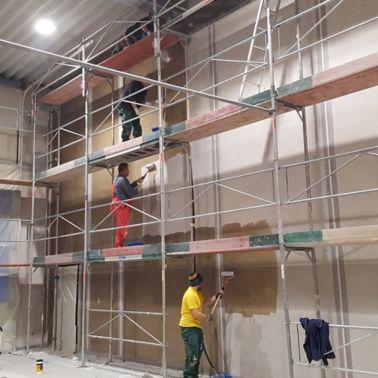 Grundierung der Wandfläche mit Sikafloor®-156