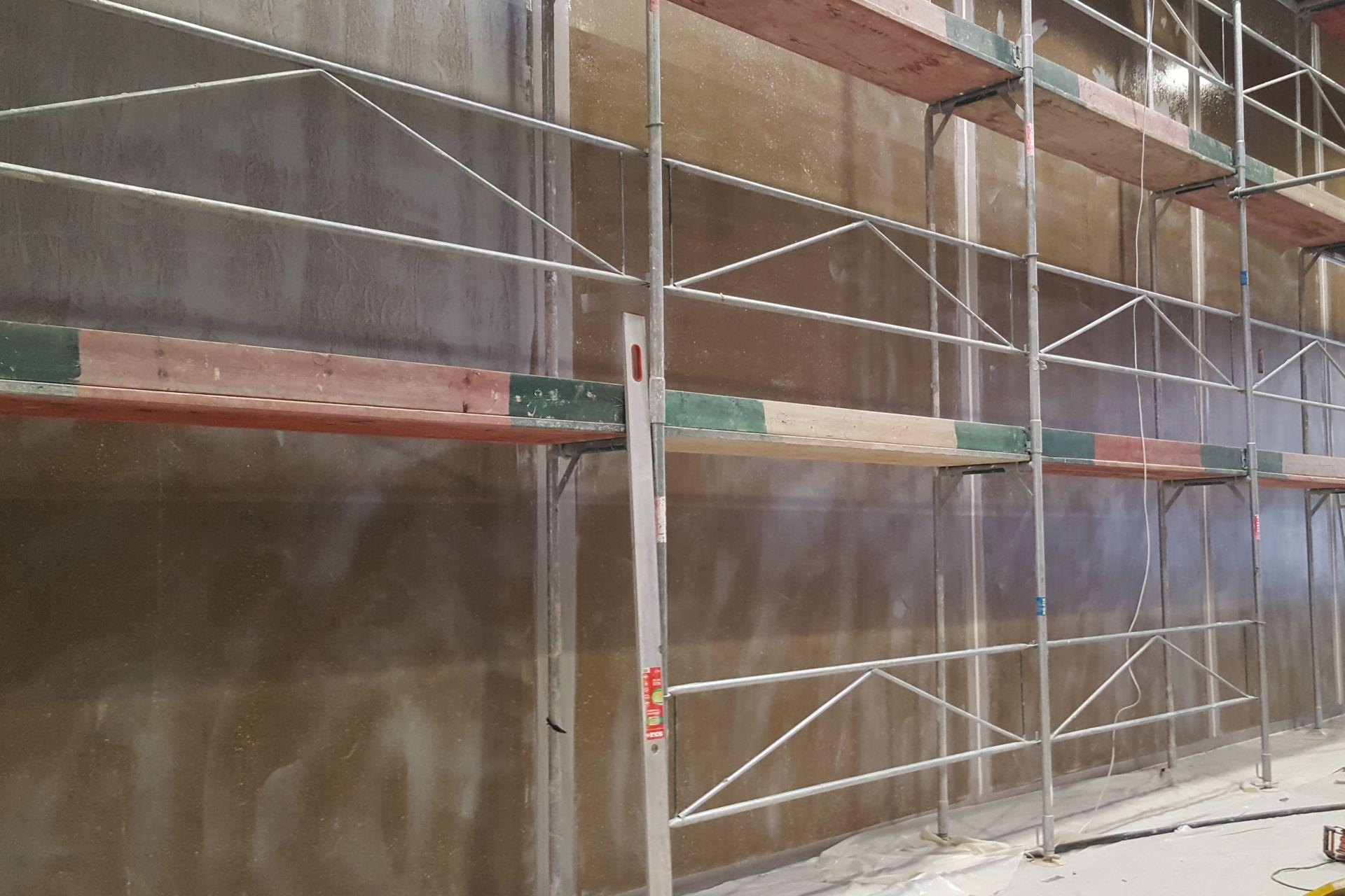 Nach Trockung der Grundierung konnte die Beschichtung aufgetragen werden