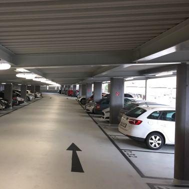 Mit dem neuen Parkdeck wurden 177 Stellplätze geschaffen