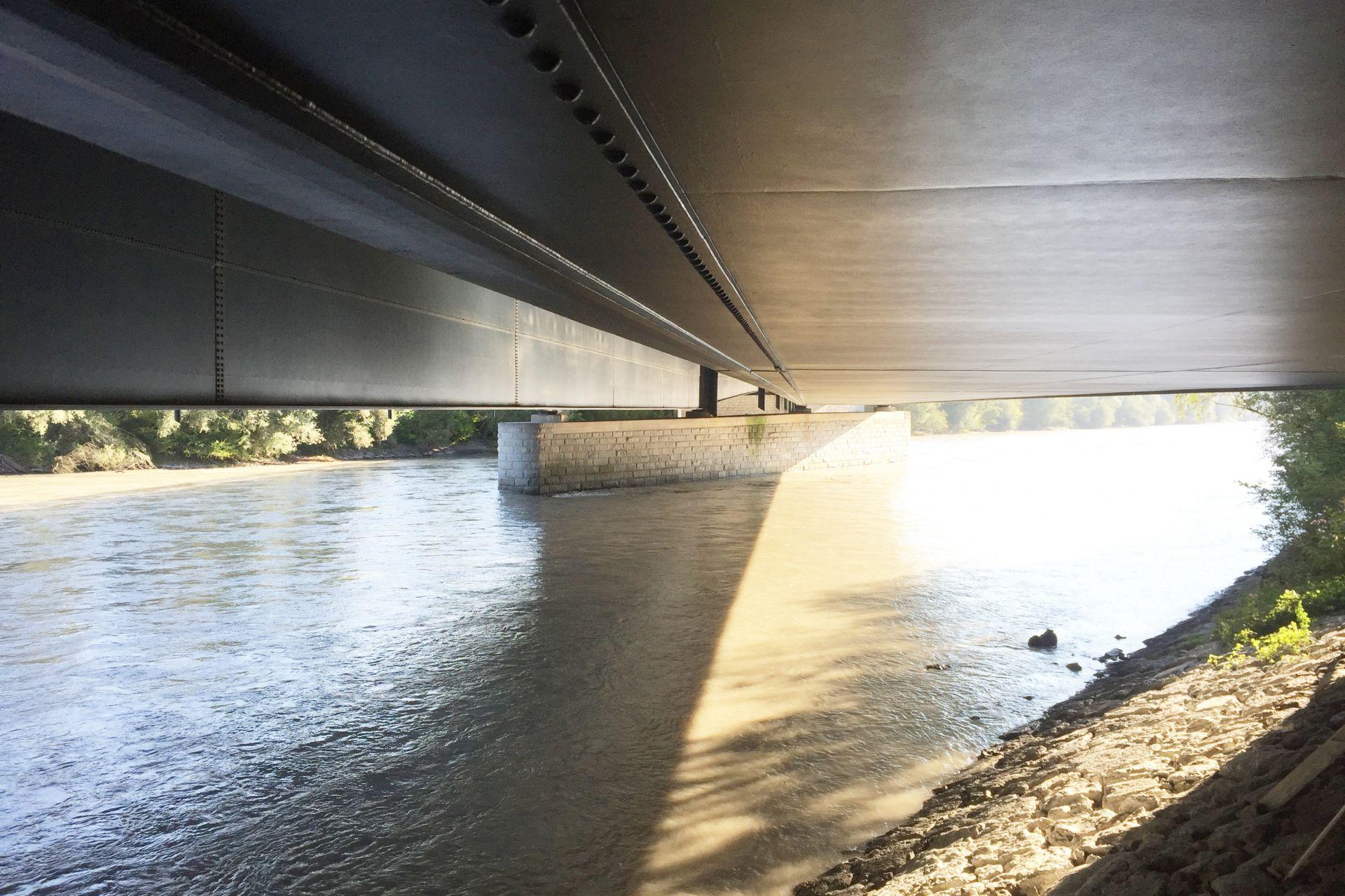 Statische Verstärkung der Terfener Innbrücke mit CFK-Gewebe