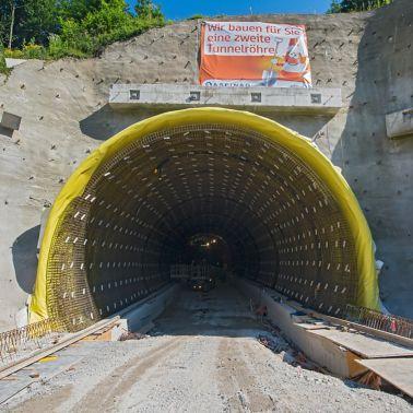 12.000 m2 Abdichtung für die Tunnelkette