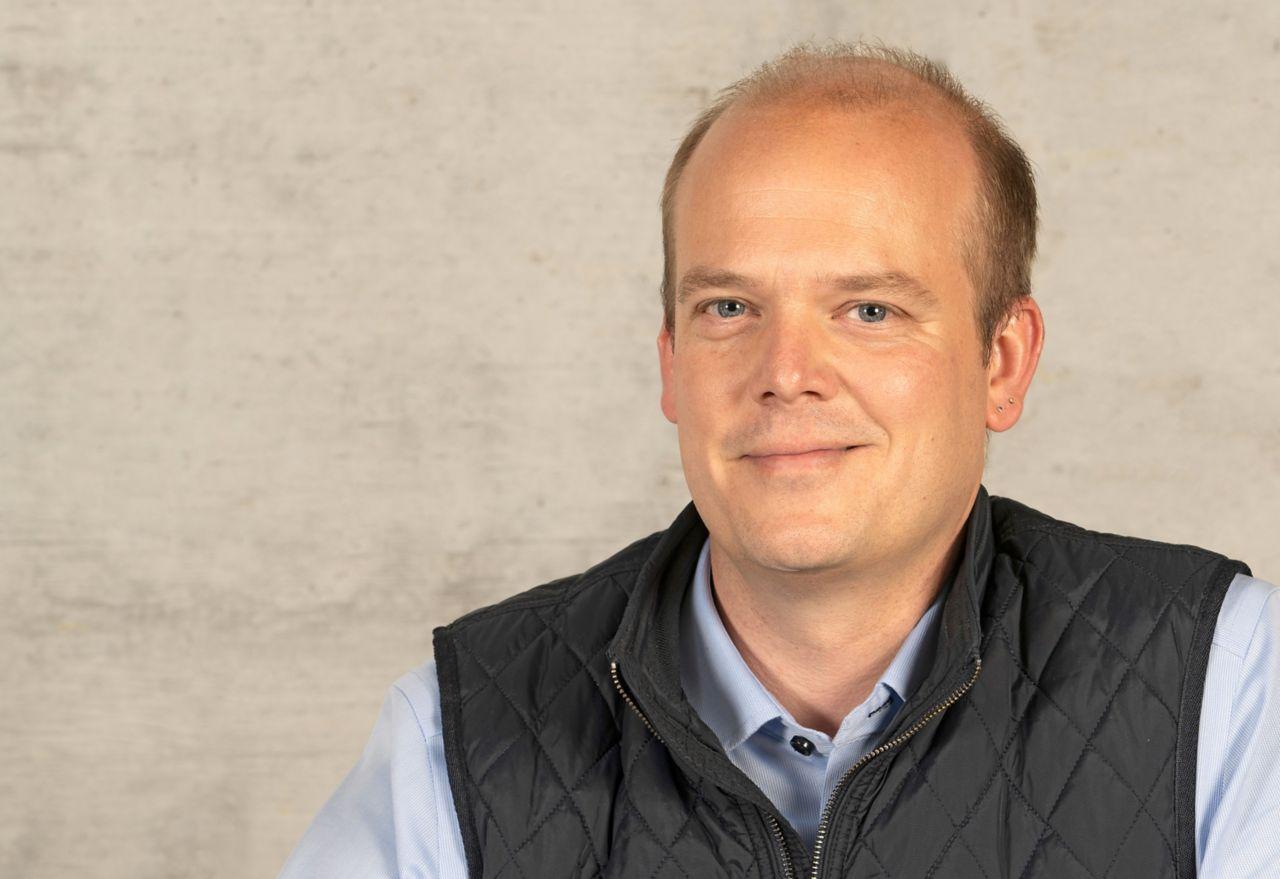 Portraitfoto Hannes Morger, Geschäftsbereichsleiter Beschichtungen, Betoninstandsetzung & Brandschutz