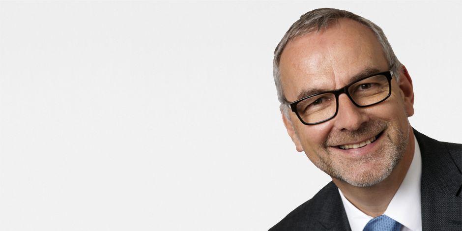 Portraitfoto Jürg Mettler, Geschäftsbereichsleiter Real Estate & Logistik