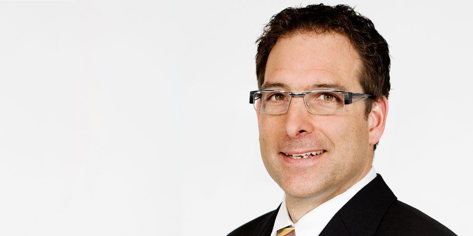 Portraitfoto Roland Schweizer, Geschäftsbereichsleiter Dachsysteme, Industrie & Spezialitäten
