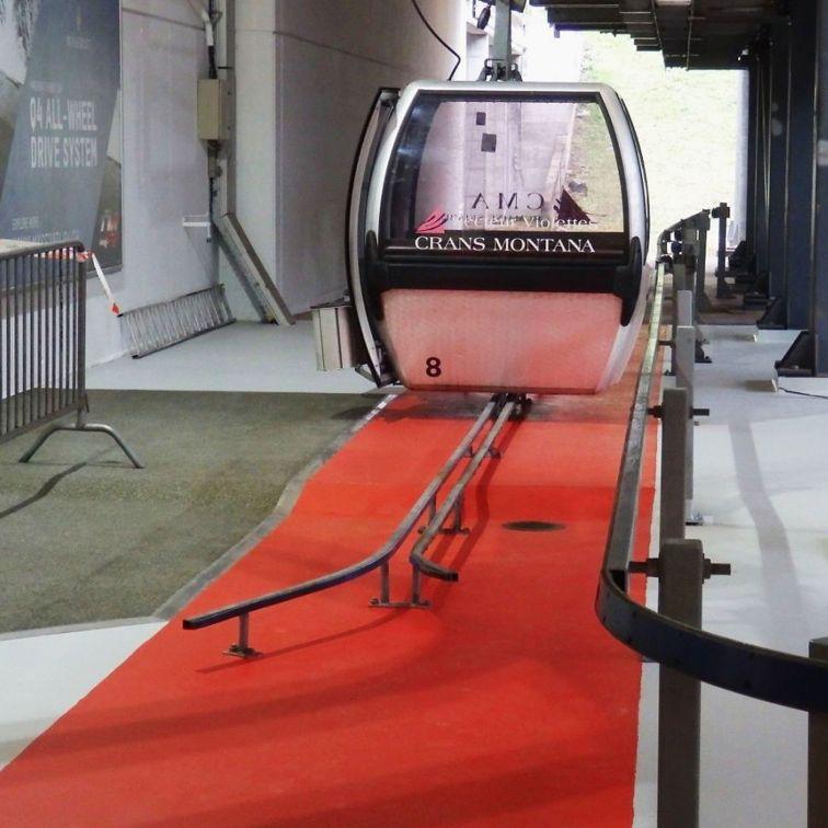 Antirutsch-Belag für die Sicherheit der Passagiere