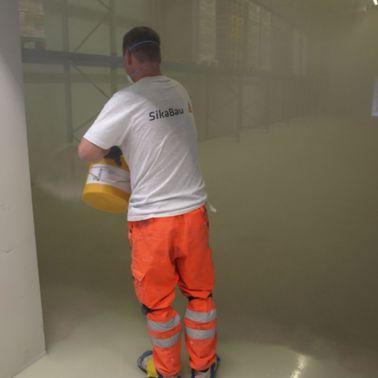 Hochbeanspruchte Bodenbeschichtung in Hochregallager