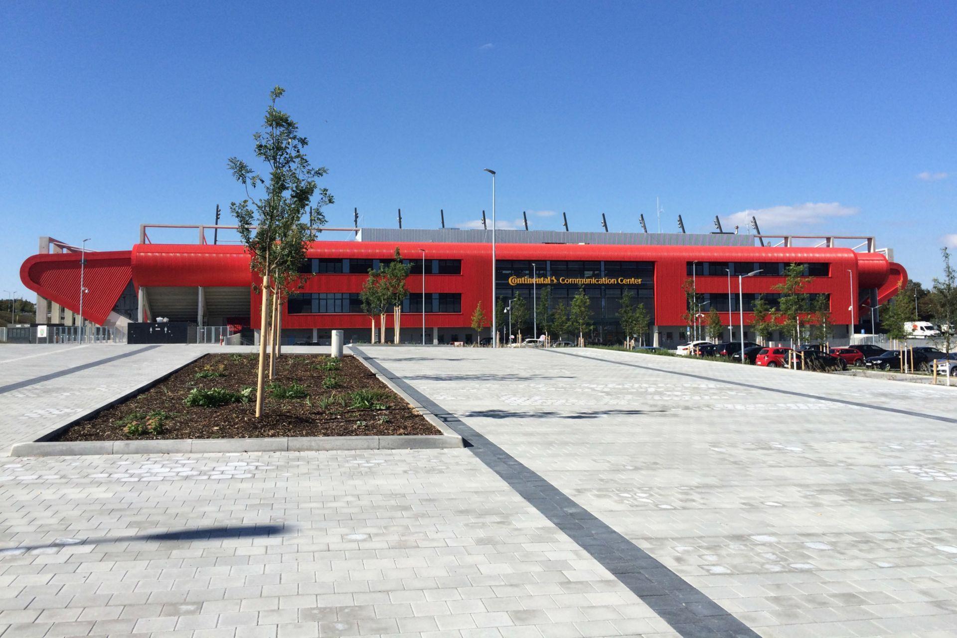 Industrial Coatings: Continental-Arena Regensburg