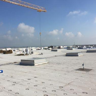 Roofing: Flugzeugwartungshalle München