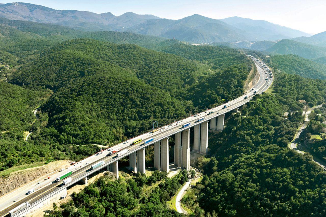 Strengthening the bridge piers in poorly accessible terrain is always a challange