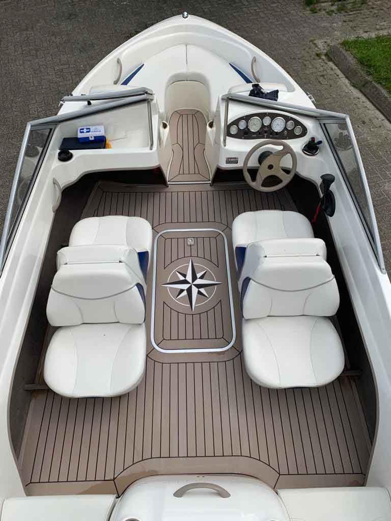 Sikafloor® Marine 595: Motor Boat