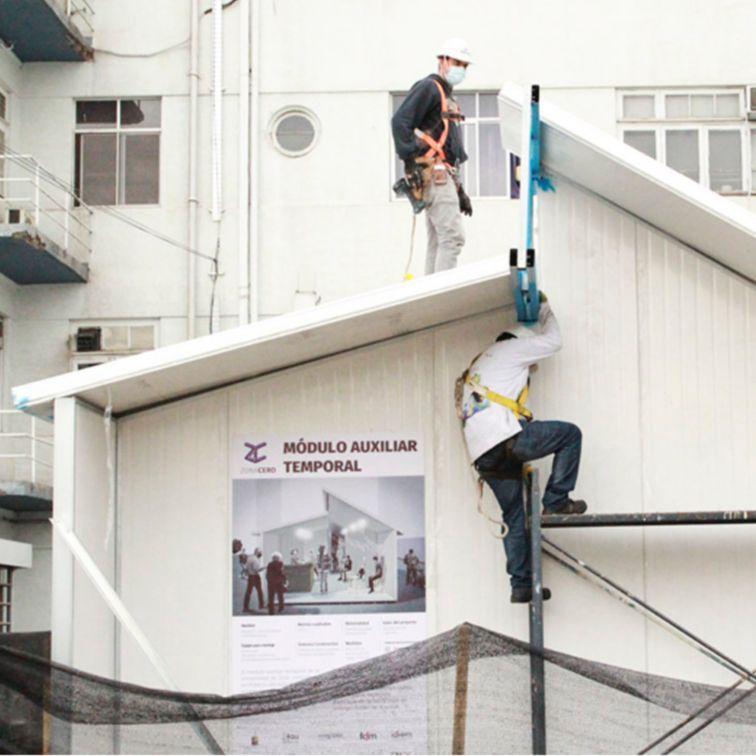 """西卡智利展示了社区参与,并加入了智利大学的""""Zona Cero""""项目。由于COVID-19大流行,该国医院面临住院病人的增加"""