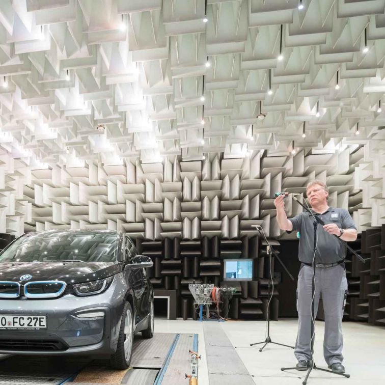 Acoustic Test Center Worms