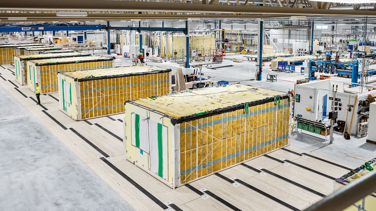 Lindb?cks is producing standardized components in Europe's most modern modular construction facility