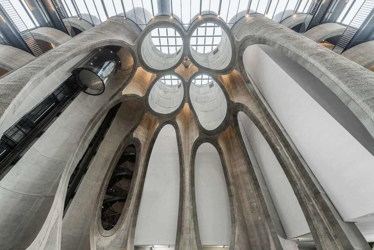 The grain silos of the Zeitz Museum have been made a dazzling feature by the architect Thomas Heatherwick. Sika provided the state-of-the-art solutions to restore the concrete and preserve the building structure.