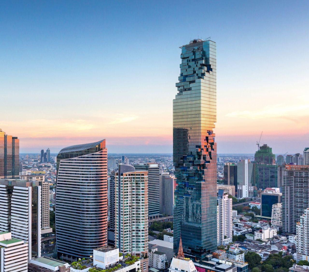 タイ・バンコクのマハナコーンビル