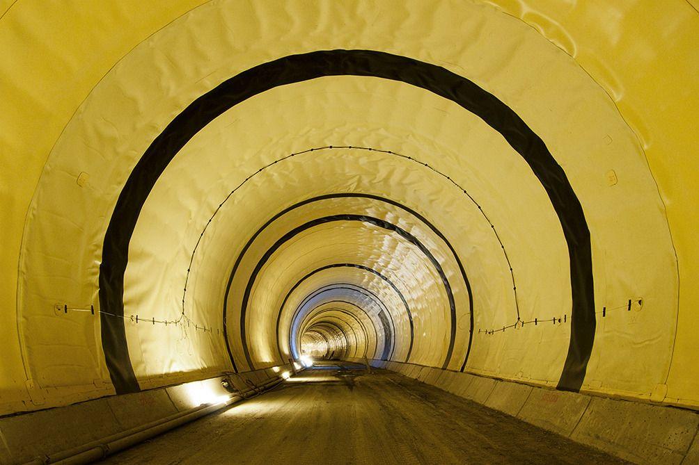 ターゲットマーケット:トンネル防水