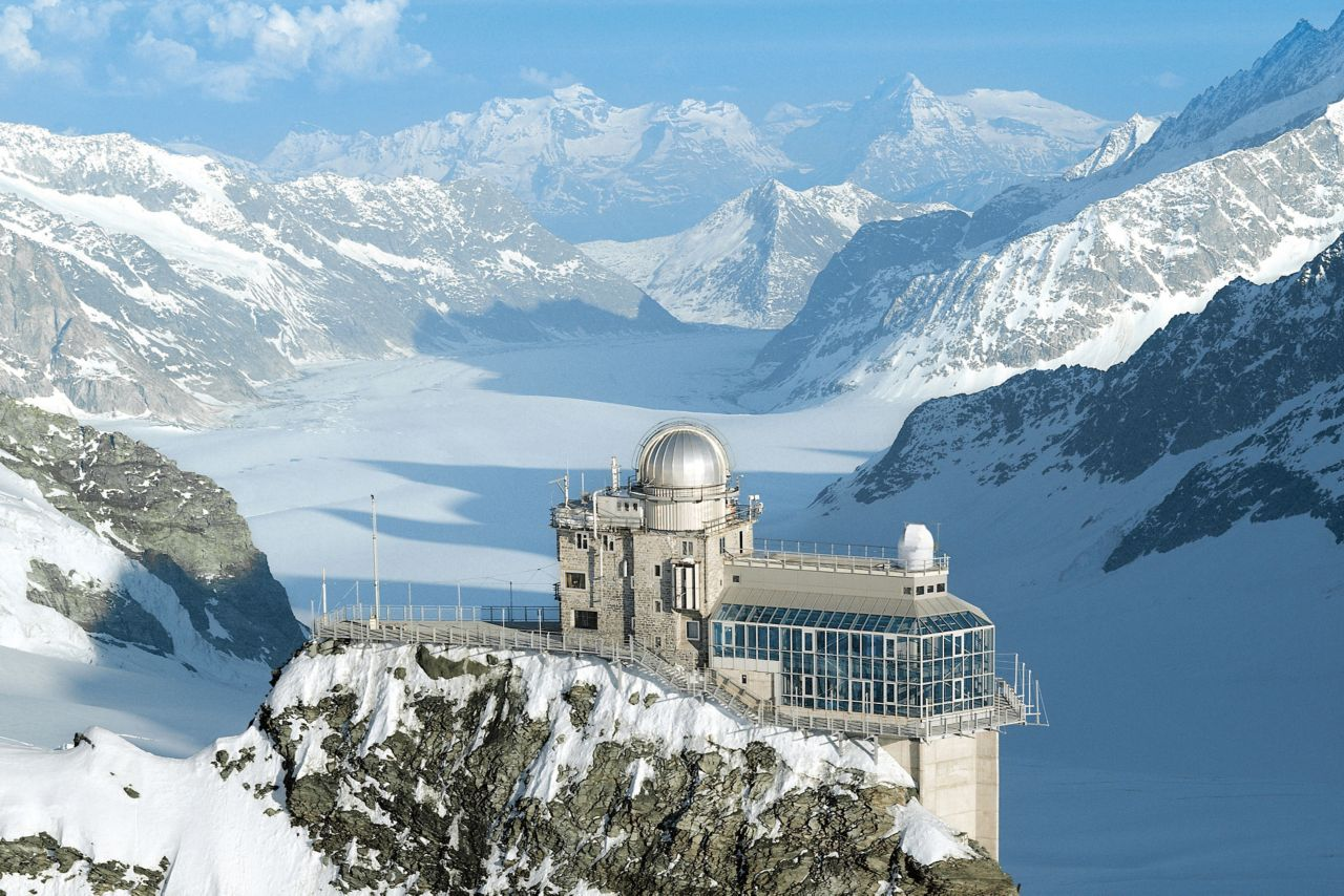 In maintenance work on the Jungfraujoch tunnel in the Swiss Alps