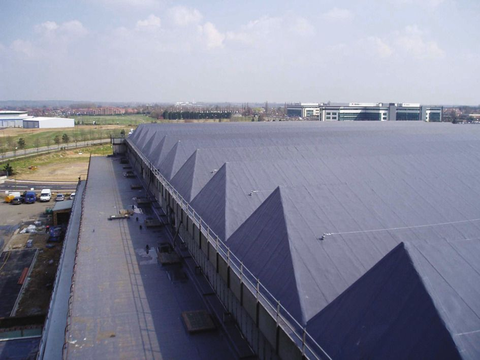 Comet hangar roof after renovation of bitumen roof