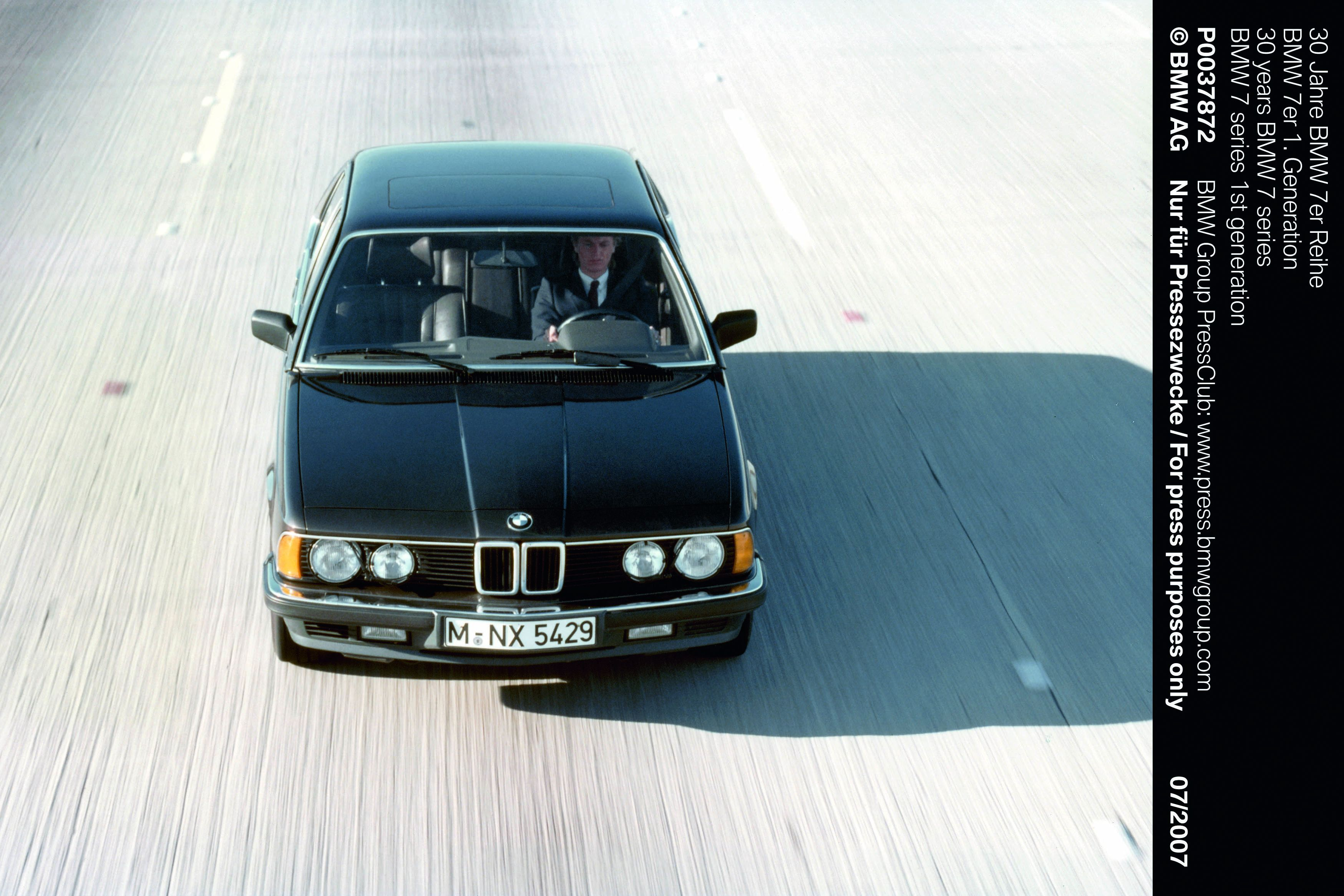 The adhesive Sikaflex was used for the windscreen of the BMW 7 series of the late 80's