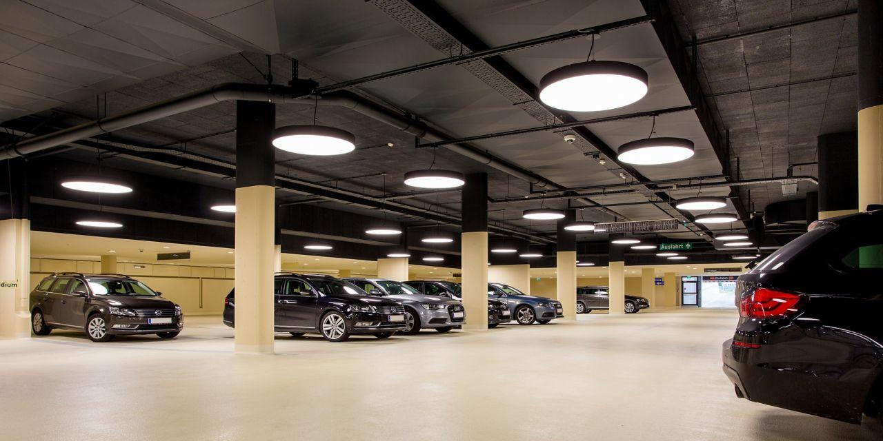 汽车在室内停车库中用Sikafloor涂料制造