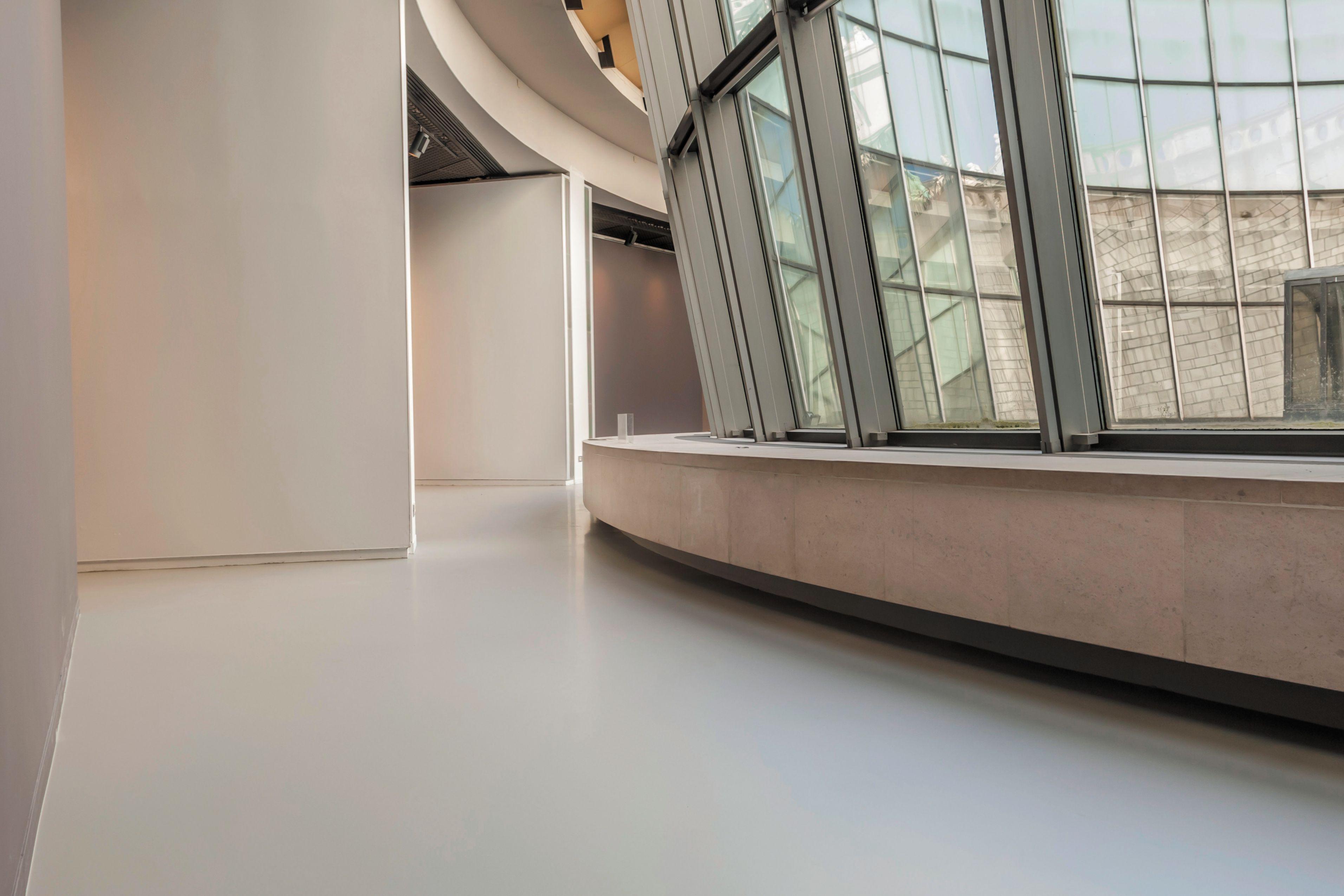 Sika ComfortFloor® grey floor in Fine Arts Museum lobby