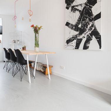 Sika ComfortFloor® grey floor in kitchen and dining room