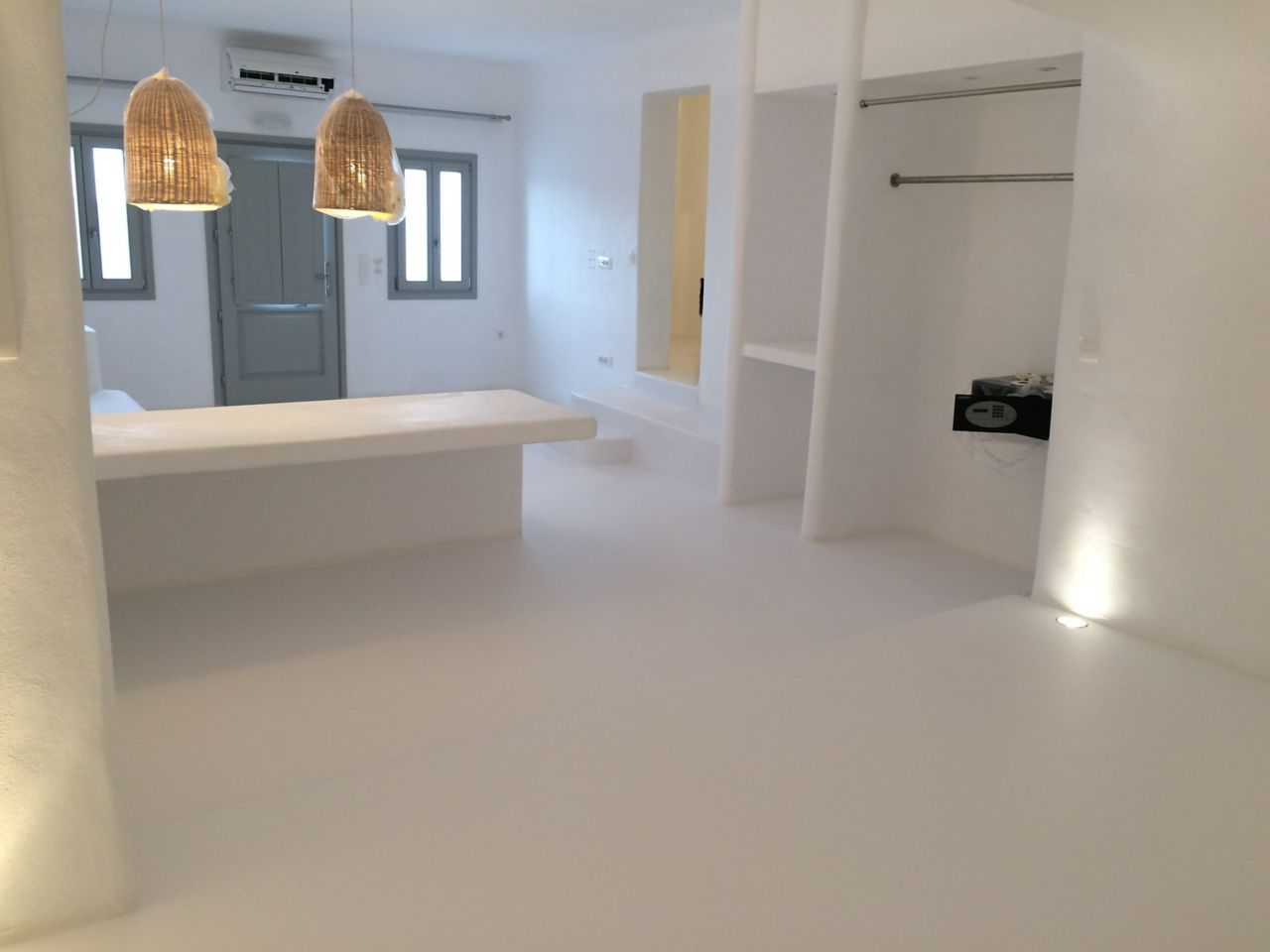 Sika ComfortFloor® white floor in Greek hotel room