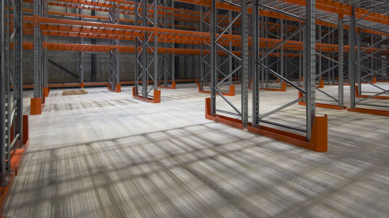 Ultra flat concrete floor in warehouse