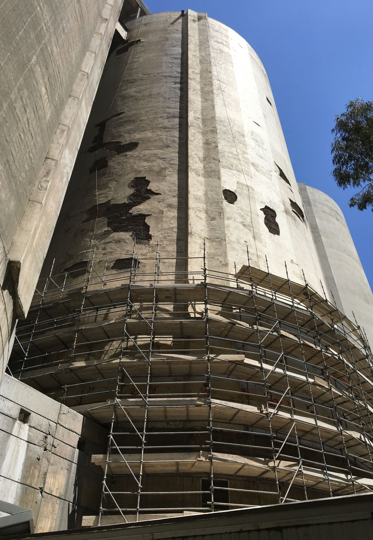 Concrete silo before concrete repair mortar renovation