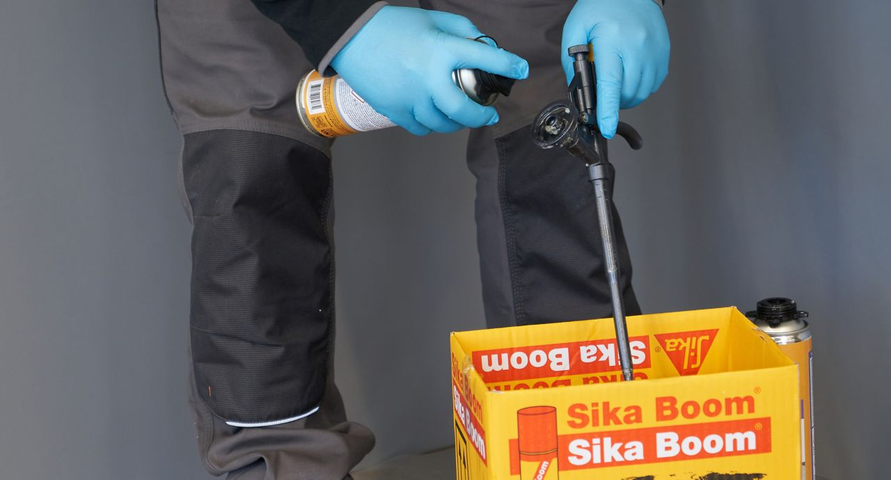 Application of Sika Boom Cleaner