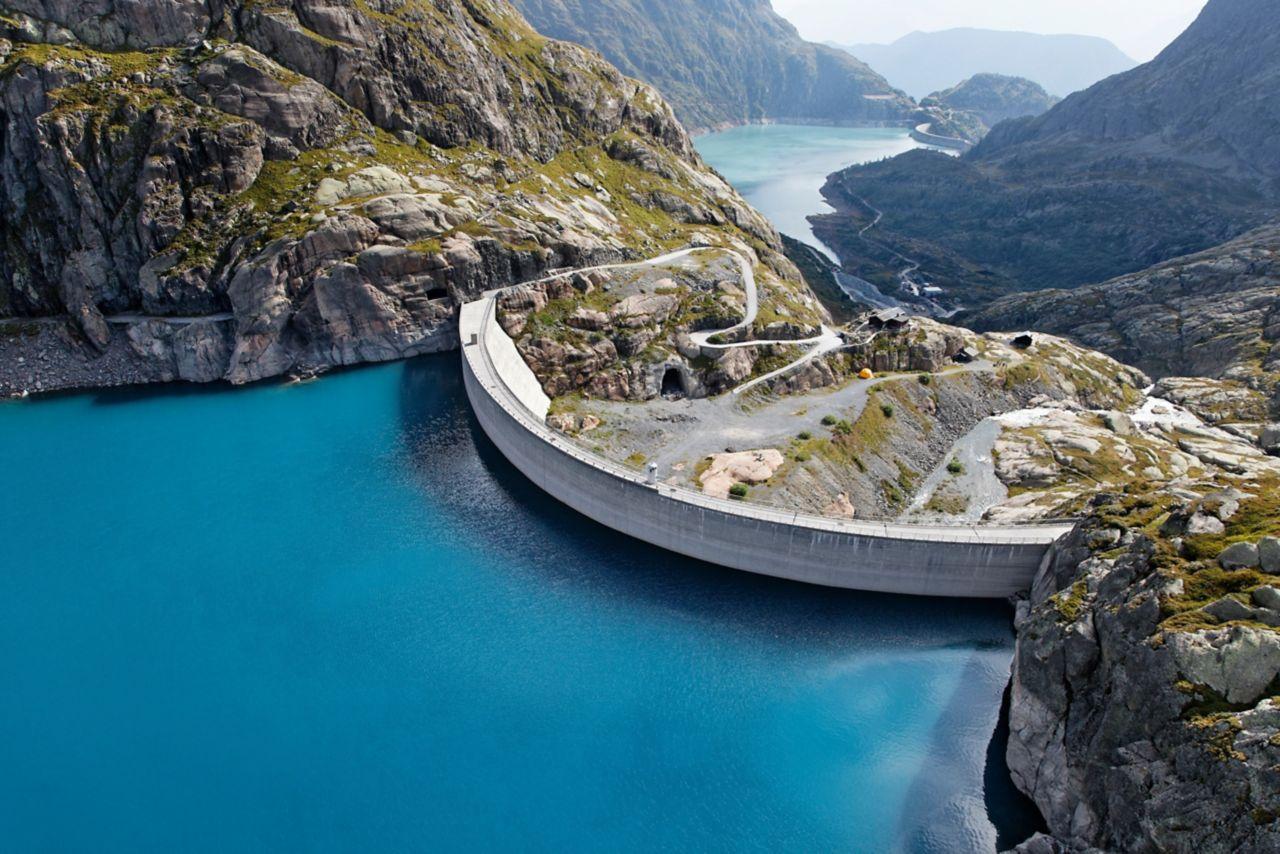 瑞士的南特·德朗斯水电站大坝