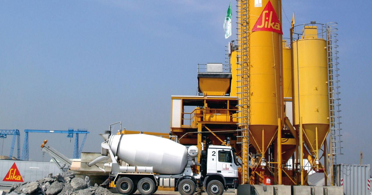 Sika Concrete Production: Cementitious material storage and ready-mix truck