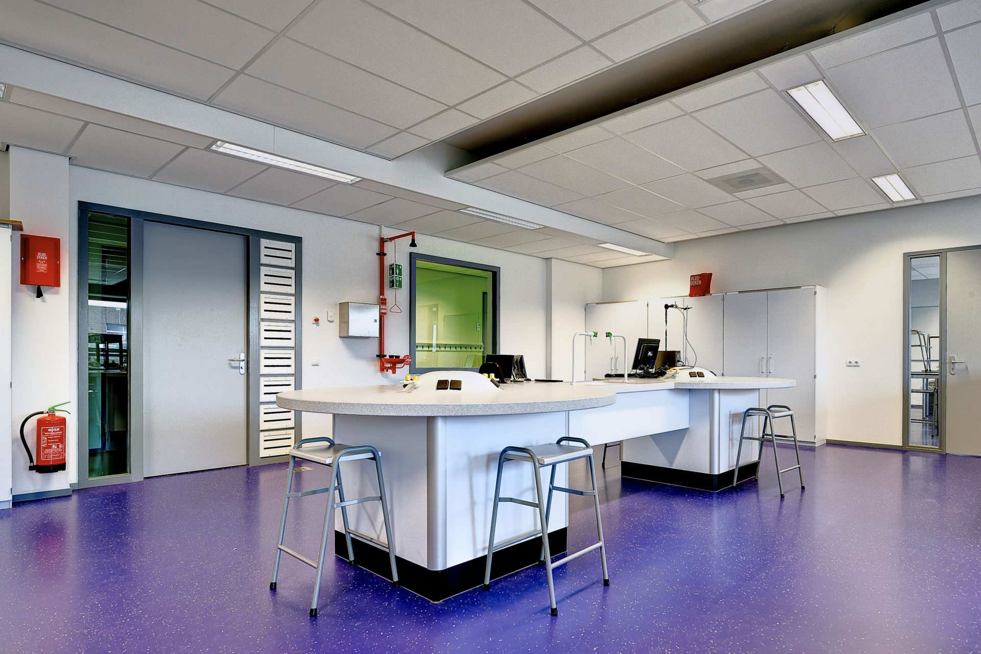 Colorful decorative floor made with Sika ComfortFloor system in Revius Lyceum School in Netherlands