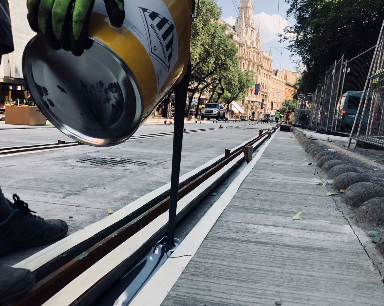 Fixing tram rail wiht epoxy grouting