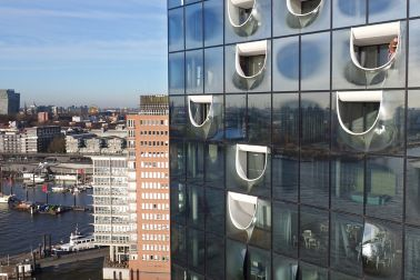 Glass facade construction of Elbphilharmonie in Hamburg with Sikasil adhesives and sealants