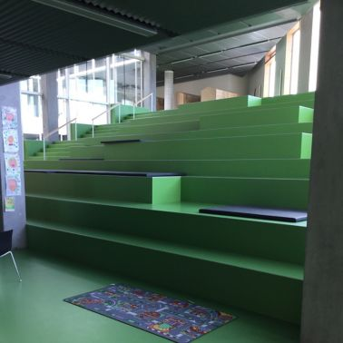 Sika ComfortFloor® green floor at school stairs