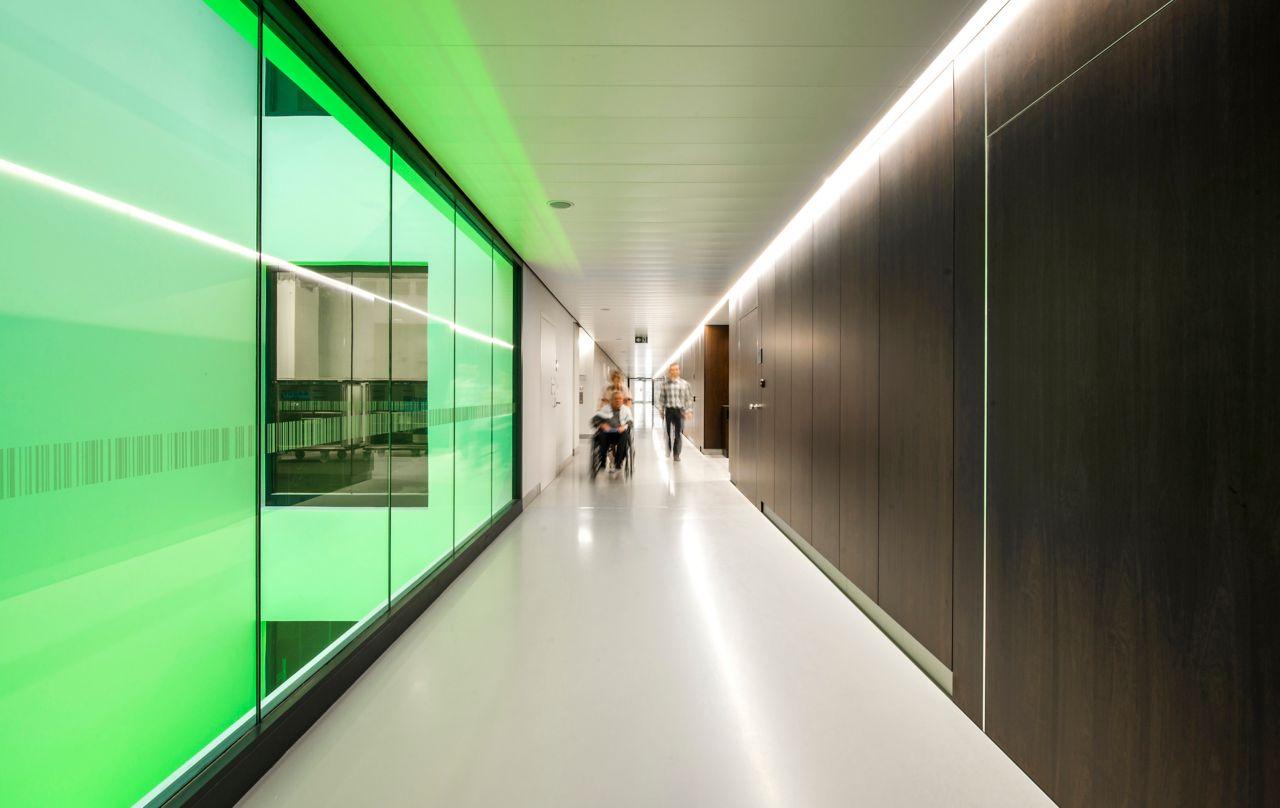 Corridor with Sika ComfortFloor in AZ Groeninge Hospital in Kortrijk Belgium