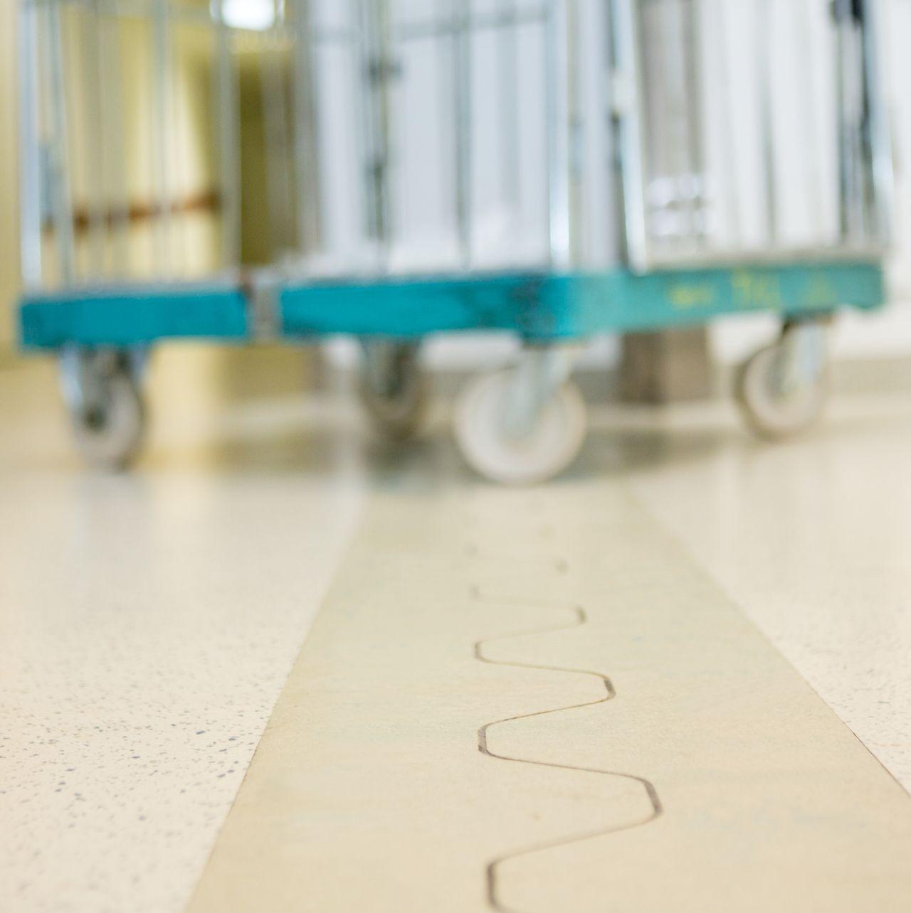 Floor joint in hospital floor