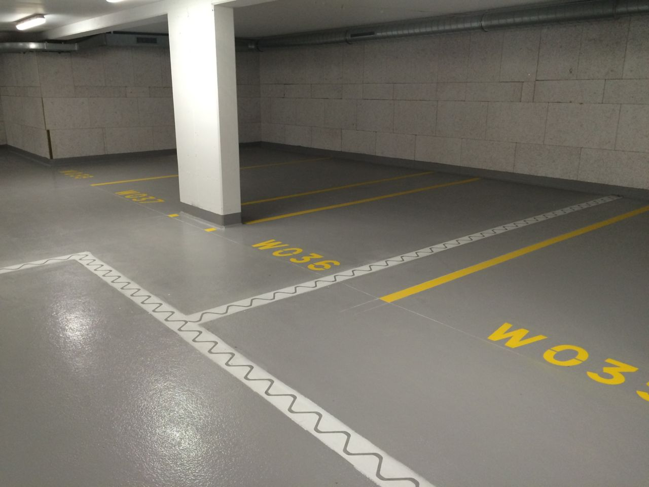 Sika FloorJoint concrete prefabricated panel installed in car park floor joint