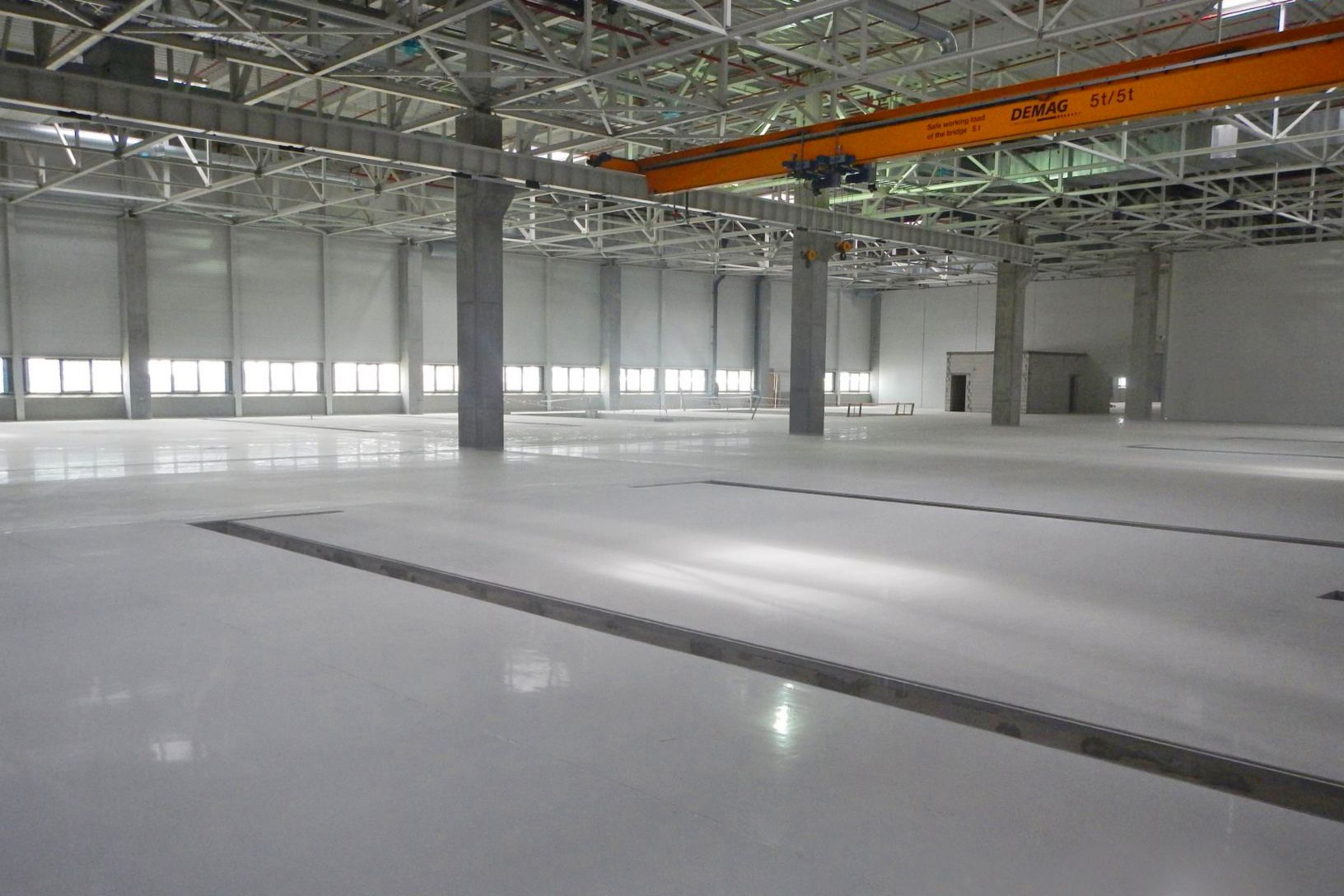 Sikafloor coatings on floors in Volkswagen Plant in Wrzesnia