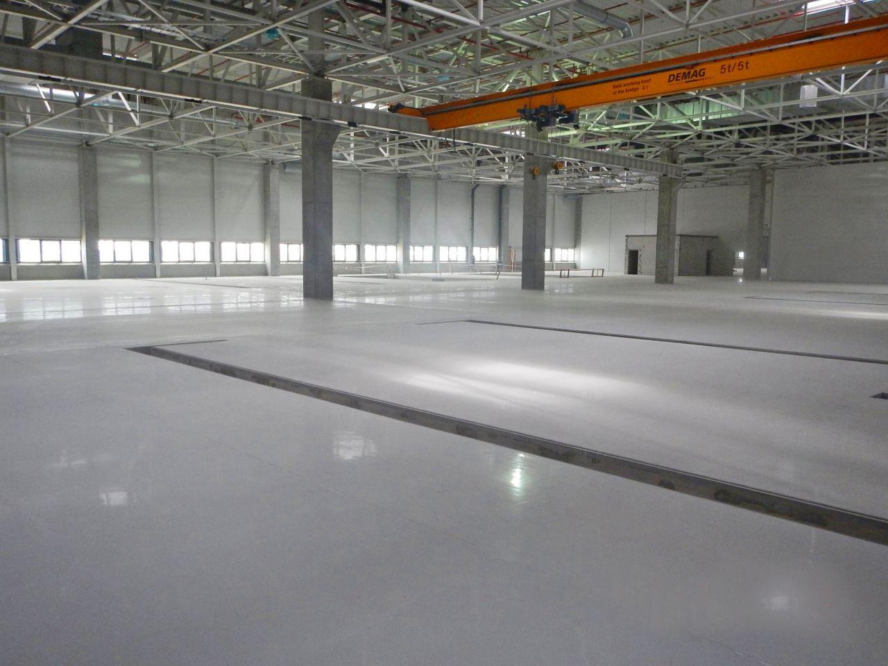 lab with quartzite floors