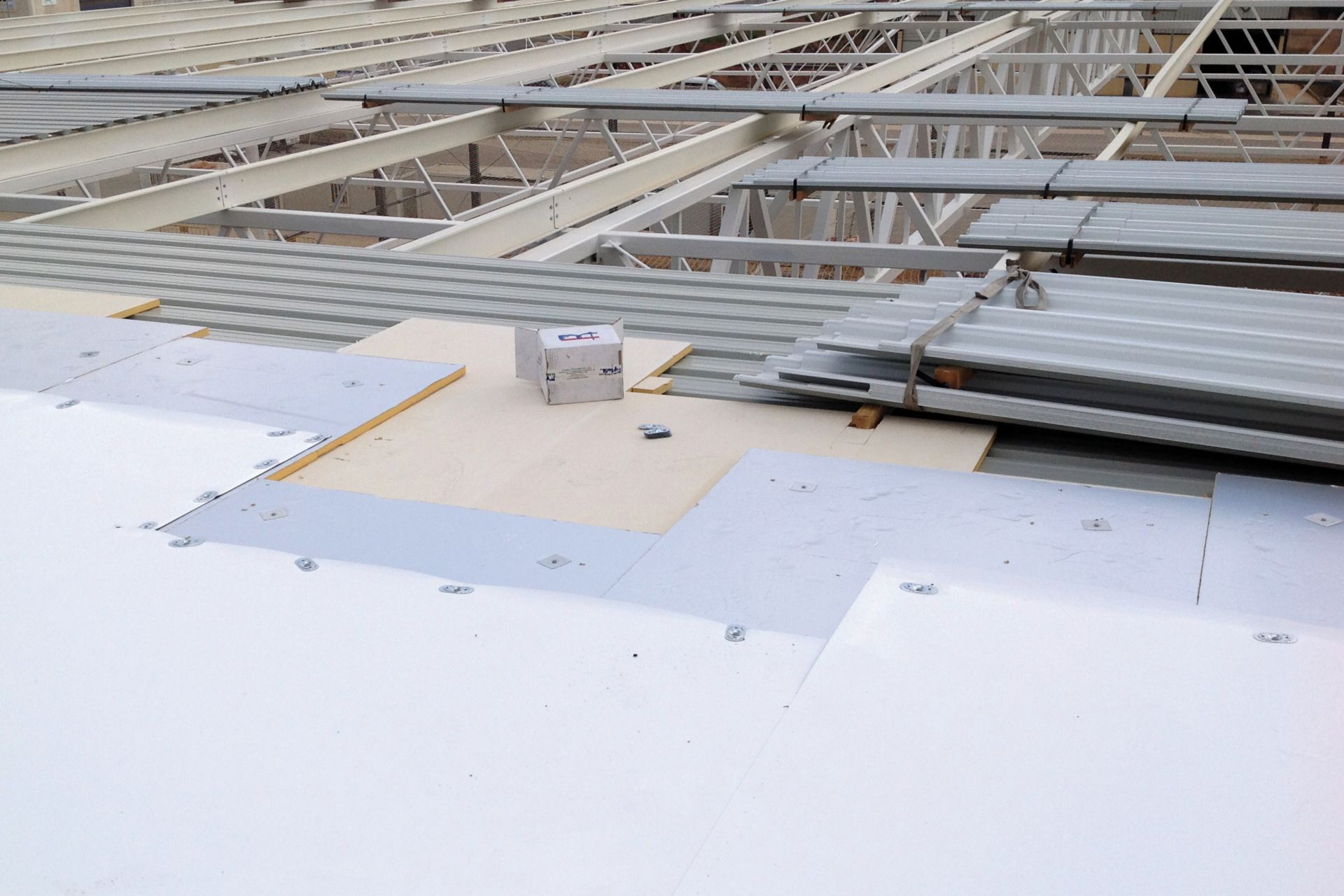 Roofing work at Fruit Packaging House of Frutinter Company
