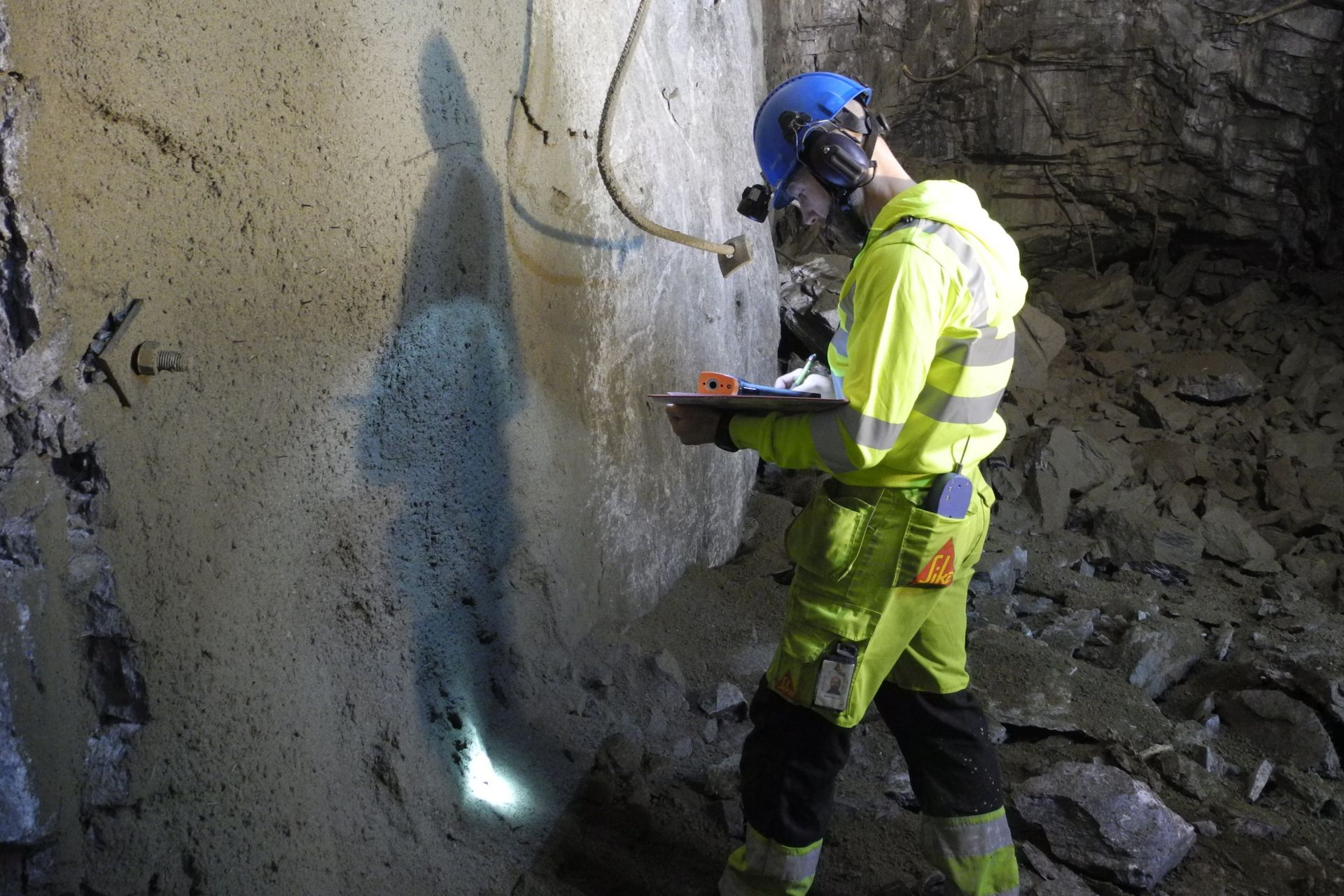 Testing early strength development of the freshly sprayed concrete in the Garpenberg Mine