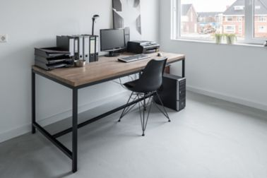 Sika ComfortFloor® grey floor in home office desk with chair and window