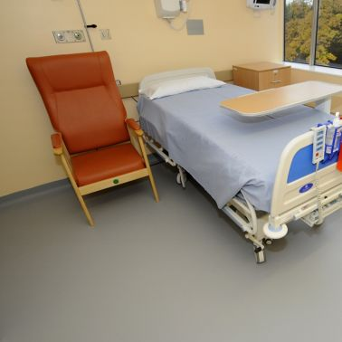 Sika's standard Sika® ComfortFloor® flooring installed in a refurbished single room at York Hospital, UK.